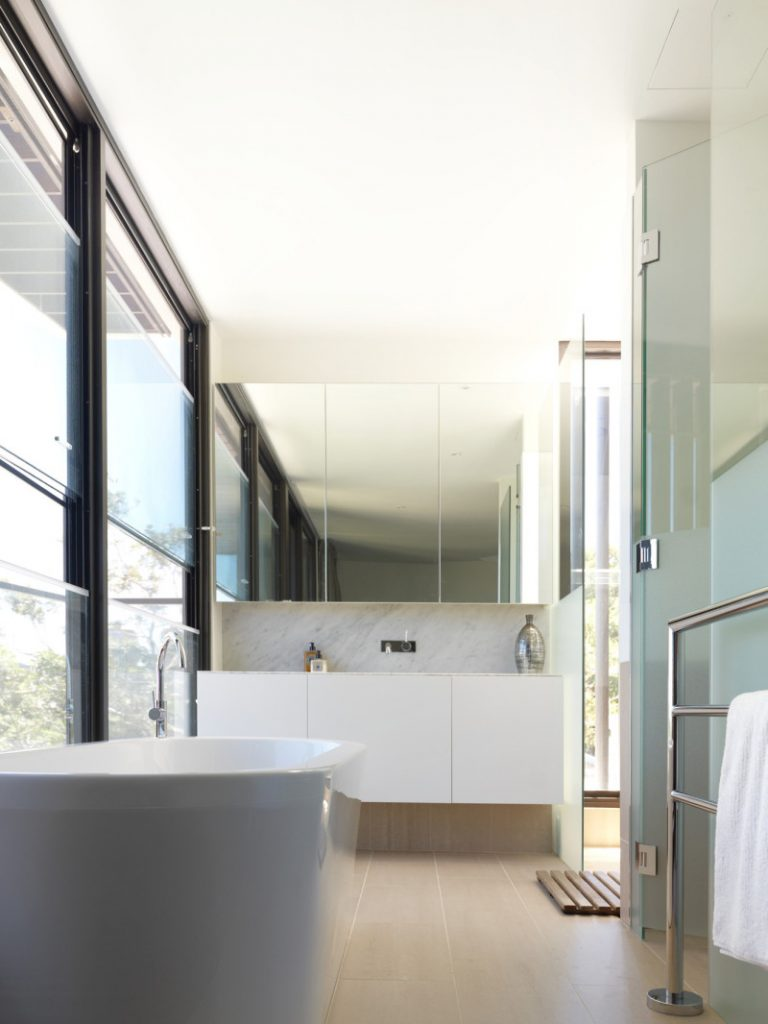 Residential project gallery kitchens bathrooms for Bathroom cabinets in queens